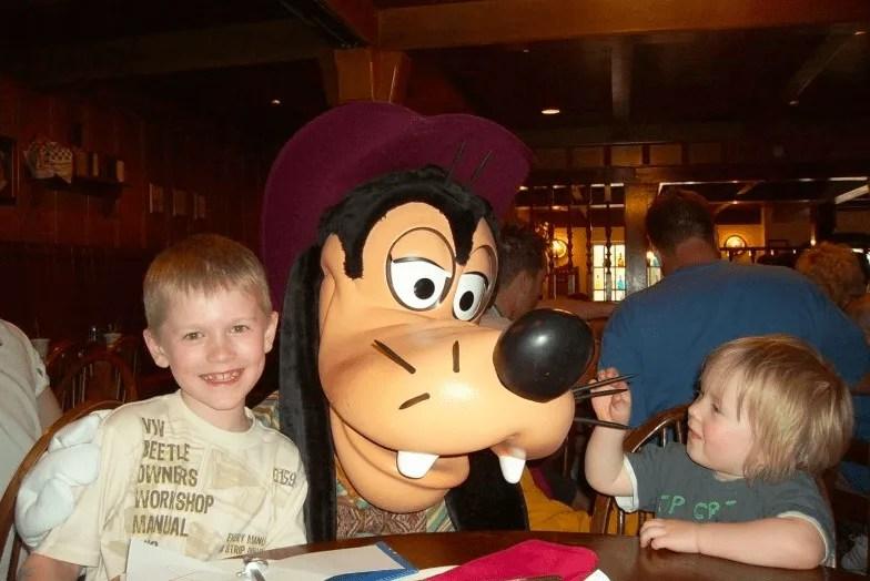 A Good Age To Take Kids To Disney www.extraordinarychaos.com
