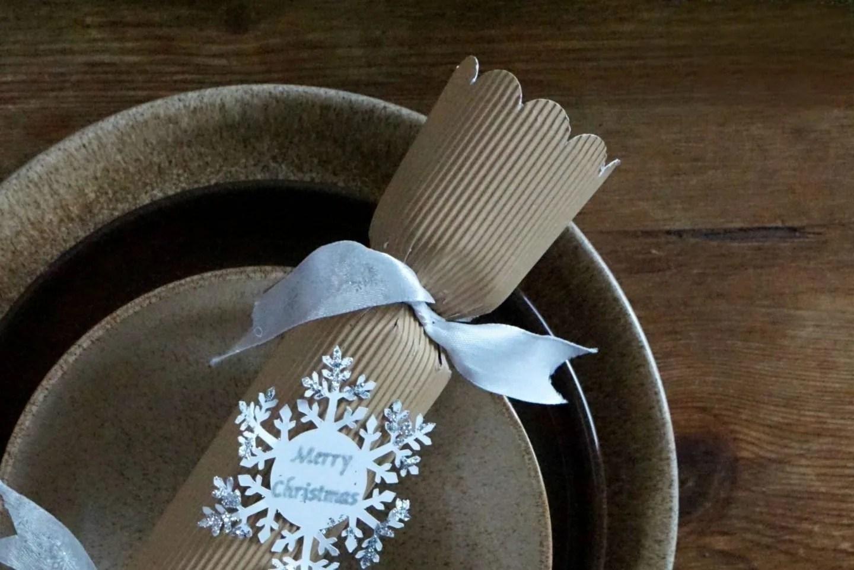 Home Made Natural Christmas Crackers www.extraordinarychaos.com