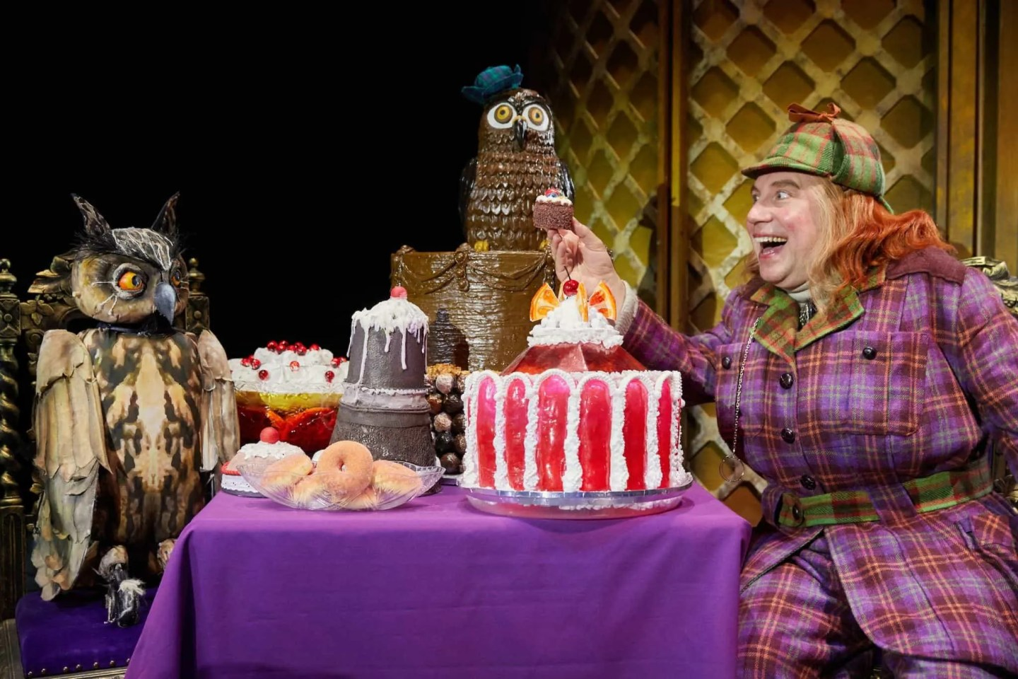 Awful Auntie by Birmingham Stage Company. Photo by Mark Douet _50A8770