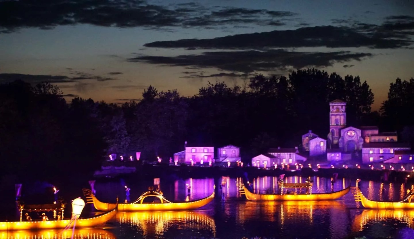The night time show at Puy Du Fou www.extraordinarychaos.com