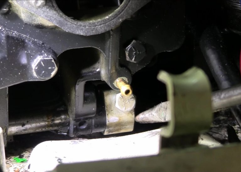 1988 Johnson Shift Rod Connector Link Location Close Up