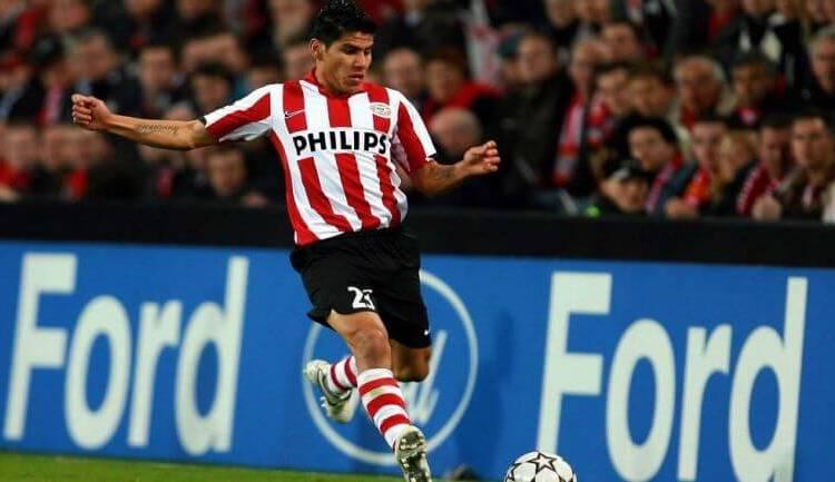 Psv: Carlos Salcido recordó su experiencia de debutar en Champions League