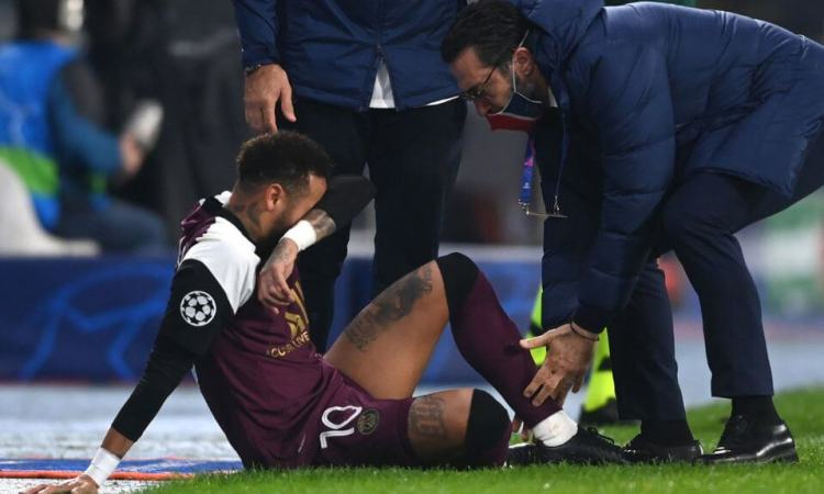 Neymar estará fuera casi un mes y se perderá las eliminatorias de Conmebol