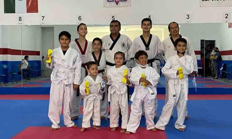 Galería fotográfica-Se ganan nueva cinta en Taekwondo Potros