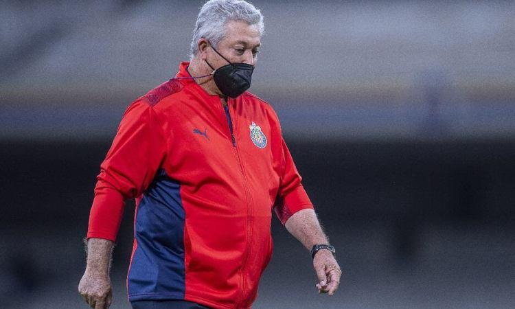 Chivas cesa a Vucetich, a una semana del Clásico Nacional