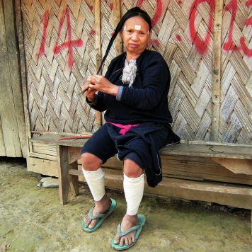 Mujer vestimenta tradicional, Laos