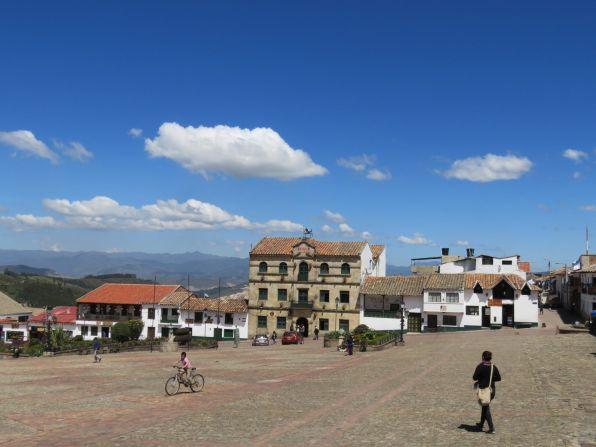 plaza-mongui