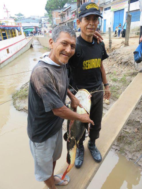 En canoa por la amazonía peruana