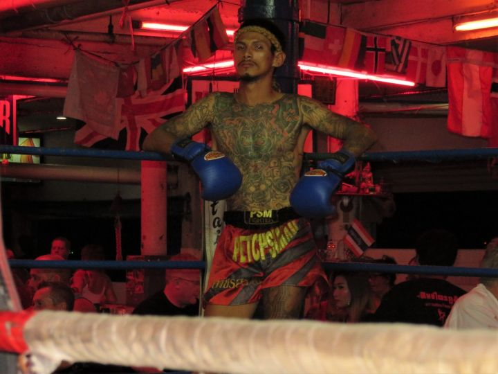 Ring the Muay Thai en Walking Street
