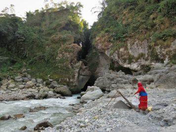 Garganta río Seti River Gorge, Pokhara, Nepal