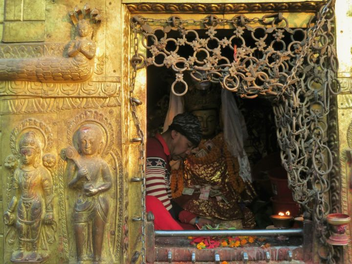 Pequeño templo en Swayambu, Katmandú, Nepal