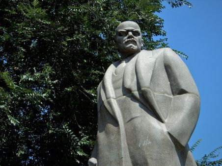 Moldavia, Estatua de Lenin