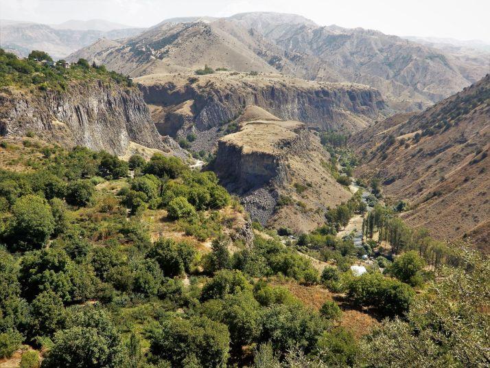 Vistas desde Templo de Garni, Armenia