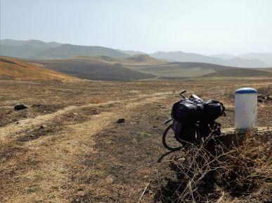 PEDALEANDO ALTO KARABAJ, Camino a Füzuli