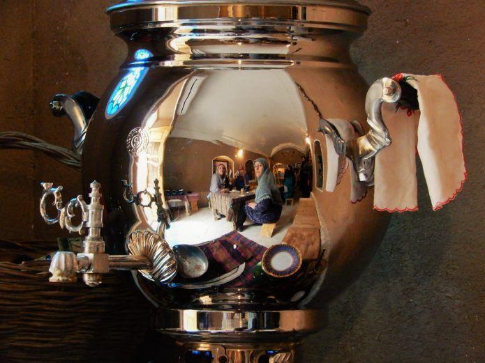 Samovar, típico recipiente para mantener el té caliente