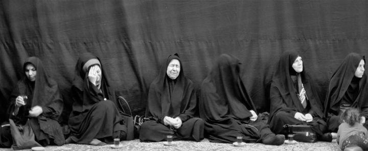 Arbein femenino, Iran