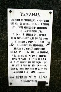 Placa no Monumento a Yemanjá, Playa Ramírez, Montevideo, Uruguay, 27/11/2011.