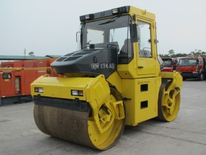 Bomag BW174AD Double Drum Roller