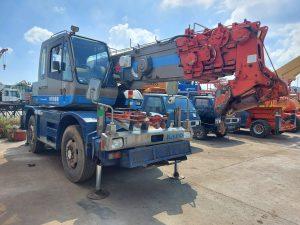 Rough Terrain Crane 10ton – Kato KR10H