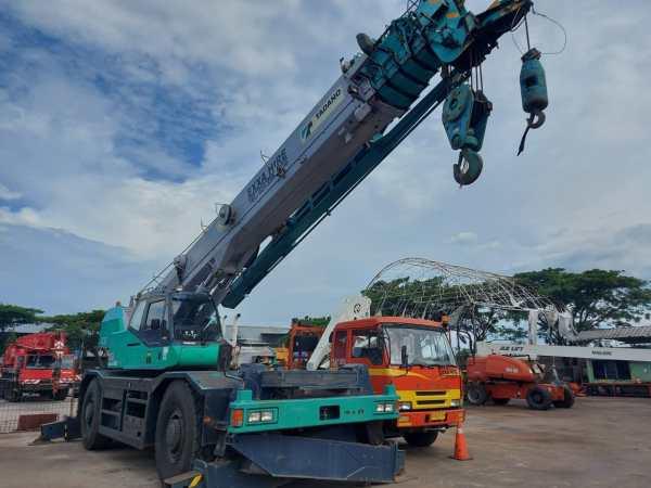 Tadano Crevo TR500M-3 Rough Terrain Crane 50 ton (2)