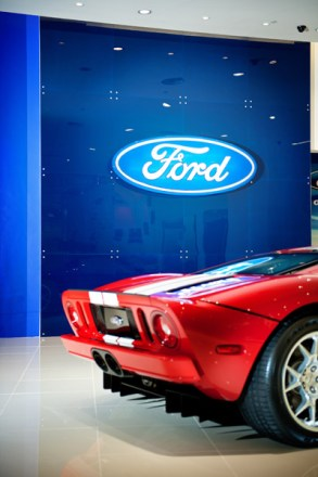 Singapore-interior-photography-ford-showroom-01