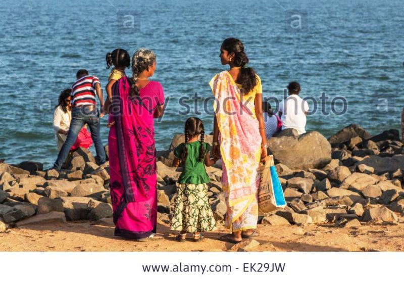 http://c8.alamy.com/comp/EK29JW/local-indian-family-on-the-beach-at-pondicherry-or-puducherry-tamil-EK29JW.jpg