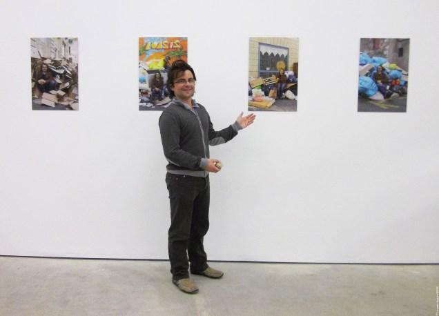 (35) Devant «Inaction !!! (Nantes - extraits de la série -10/2011)», je réalise que si Régis aime à se portraiturer;)