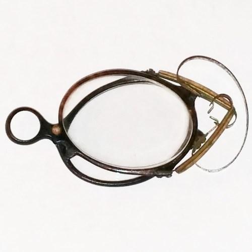 Horn rim pince nez 1875