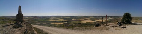Top of the Mountain (or hill?) after Castrojeriz, 1050 m.