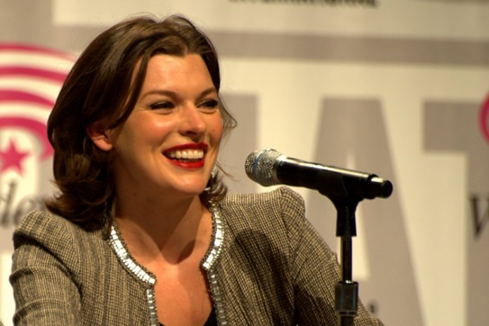 WonderCon2010_-_Milla_Jovovitch_2336