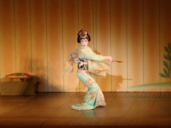 geisha-830920_1280
