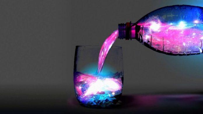 kristalova-voda-napoj-magu