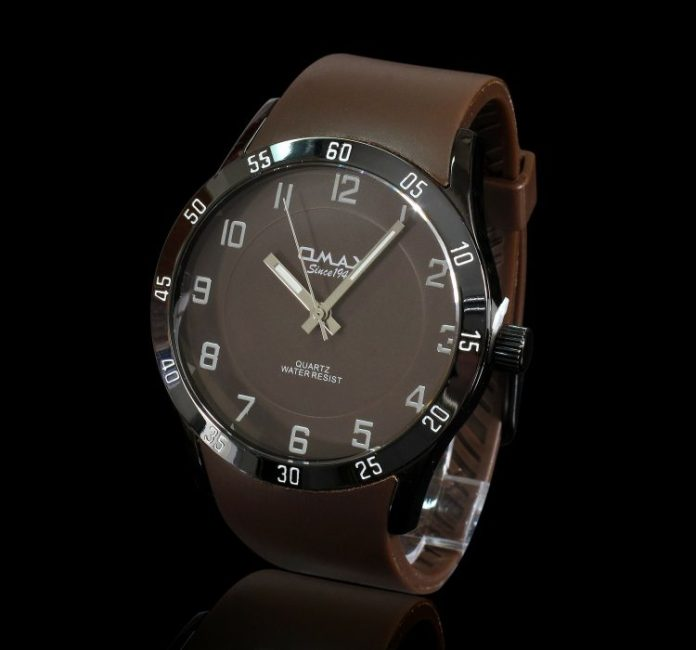 male-watch-144648_1920