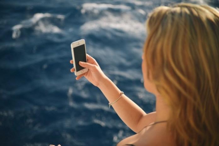selfie person-holiday-vacation-bikini