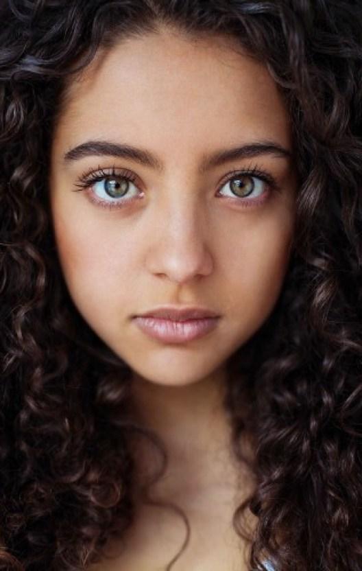 woman-beauty-atlas-mihaela-noroc-181__880