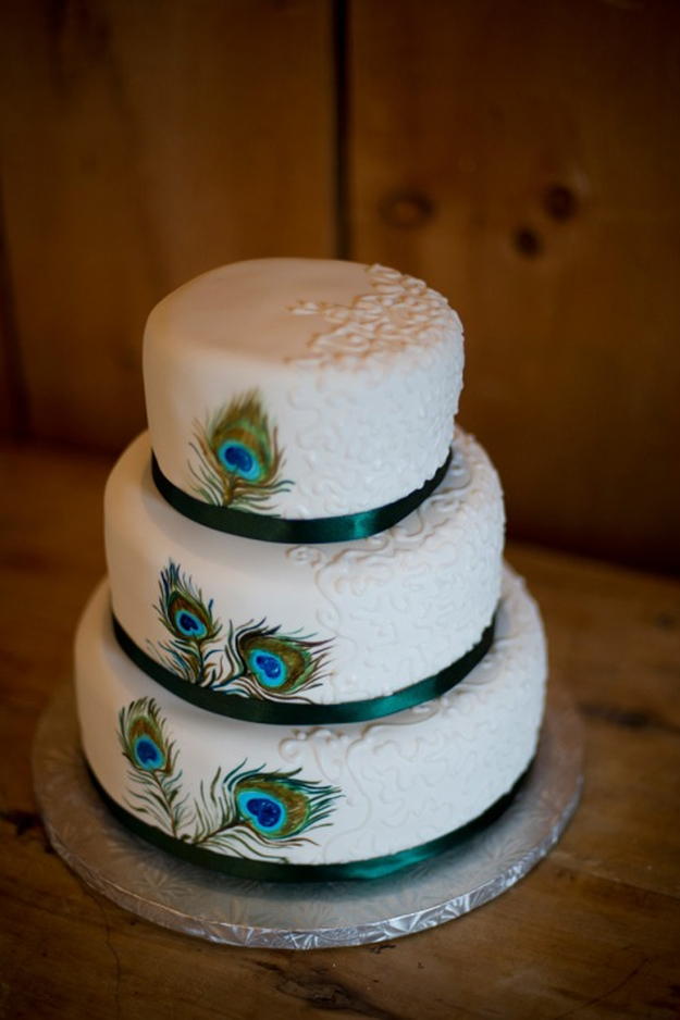 Peacock Wedding Cake   eyemasq Wedding Cake with Peacock Theme