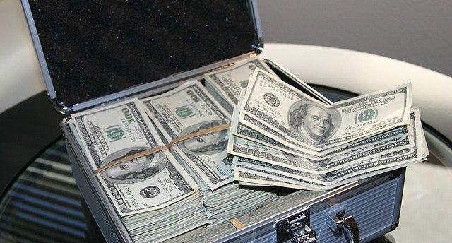 aaeaaqaaaaaaaaluaaaajddmoduzmji2ltu0ymitndk1my05ntdklwy0yjblm2vmymzmzq - Why is it always about money?