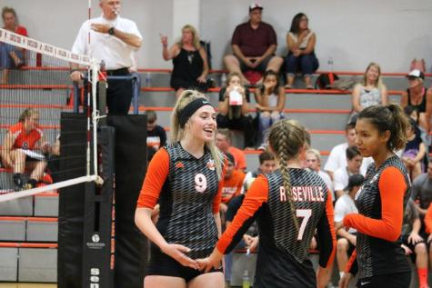 VOLLEYBALL: Tigers start out league with win over Del Campo