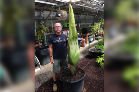 Corpse flower's anticipated bloom delayed