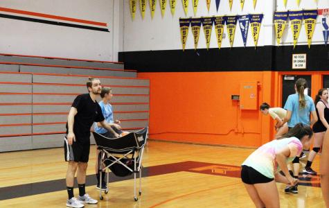 VOLLEYBALL: Girls varsity volleyball gains new coach
