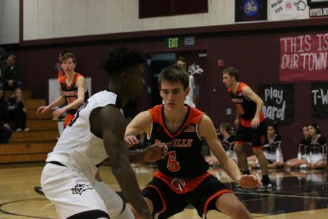 PREVIEW: Varsity Boys Basketball to host Burbank