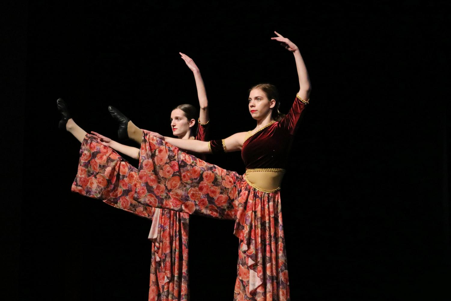 Carol+of+the+Bells+was+choreographed+by+Madison+Rose+and+Amari+Tate.+The+costumes+were+designed+by+Tonya+Stauffer