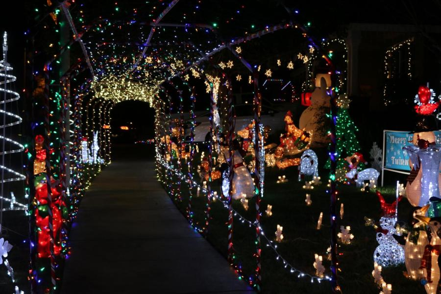 THE GREATER SACRAMENTO AREA'S BEST HOLIDAY LIGHT DISPLAYS