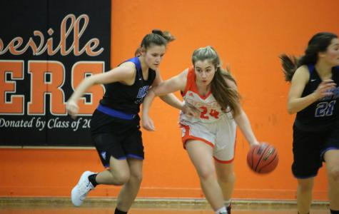 Girls varsity basketball defeats Bella Vista