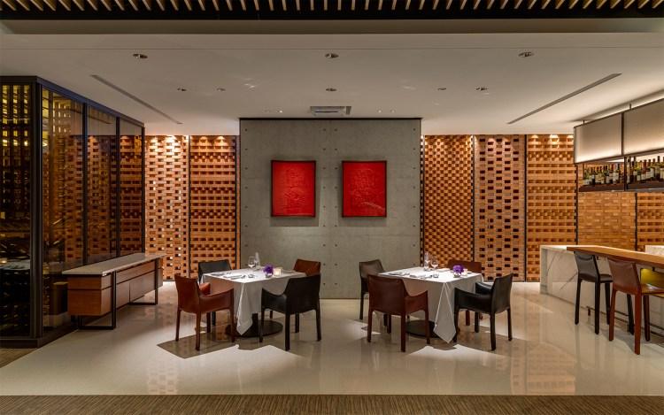 In Between之間餐廳_以磚牆工藝與清水模牆面拉展現視覺層次與人文質感