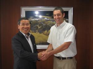 Negotiating eyeglass framepartnership withmayor