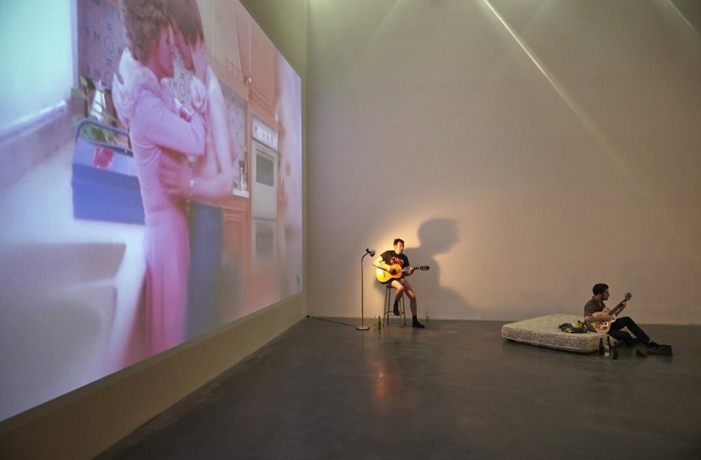 Ragnar Kjartansson, Installation performance, New Museum, New York, 2014, Image courtesy of the museum