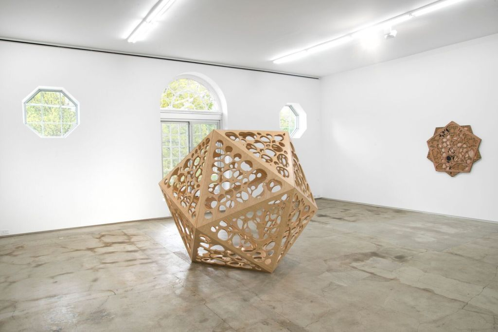 """Hayv Kahraman, Installation view. Left: """"Icosahedral Body,"""" (2013) right: """"Decagram No. 2,"""" (2013). Image courtesy of Jack Shainman Gallery, 2016."""