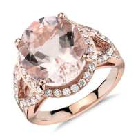 A Stunning Morganite and Diamond Ring in 18k Rose Gold