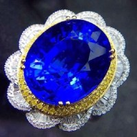 Tanzanite and Diamond Ring 18K Two Tone Gold